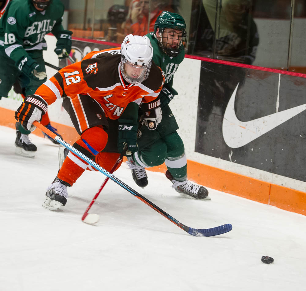 Falcons Lose Lead in Third, Tie Beavers 2-2